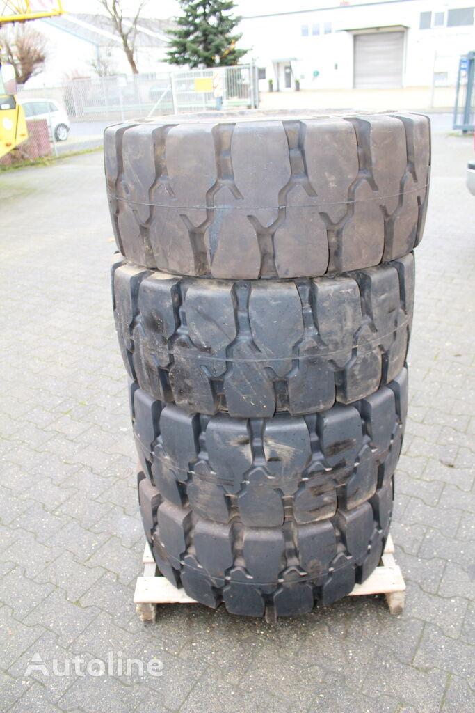 інше Michelin Vorwerk 400/60-15 unbenutzt NEU Vollgummireifen