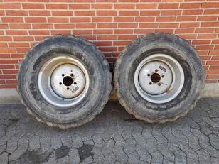 колесо Dunlop 365/70 R 18.00