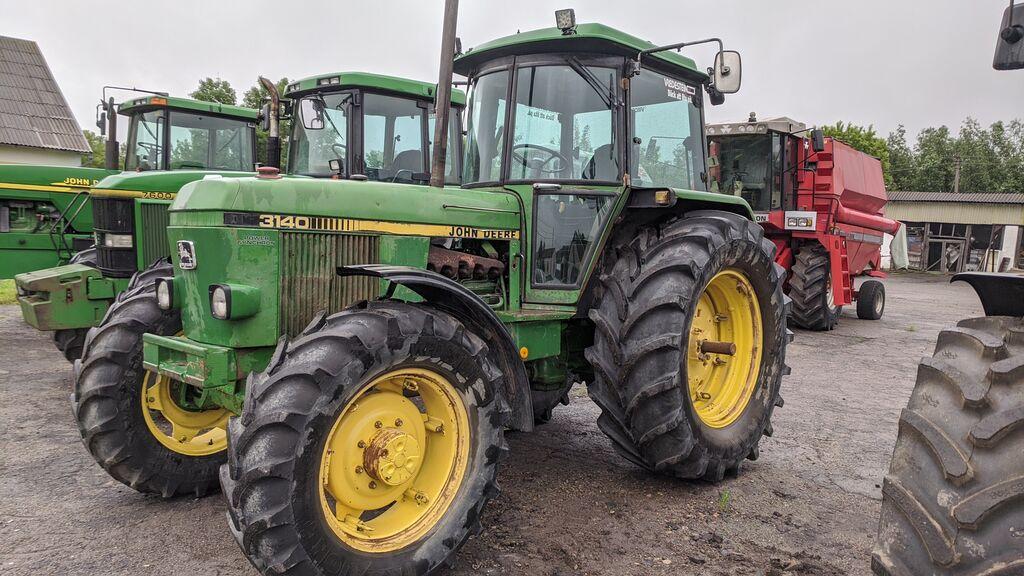 трактор колісний JOHN DEERE 3140