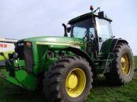 трактор колісний JOHN DEERE 8410