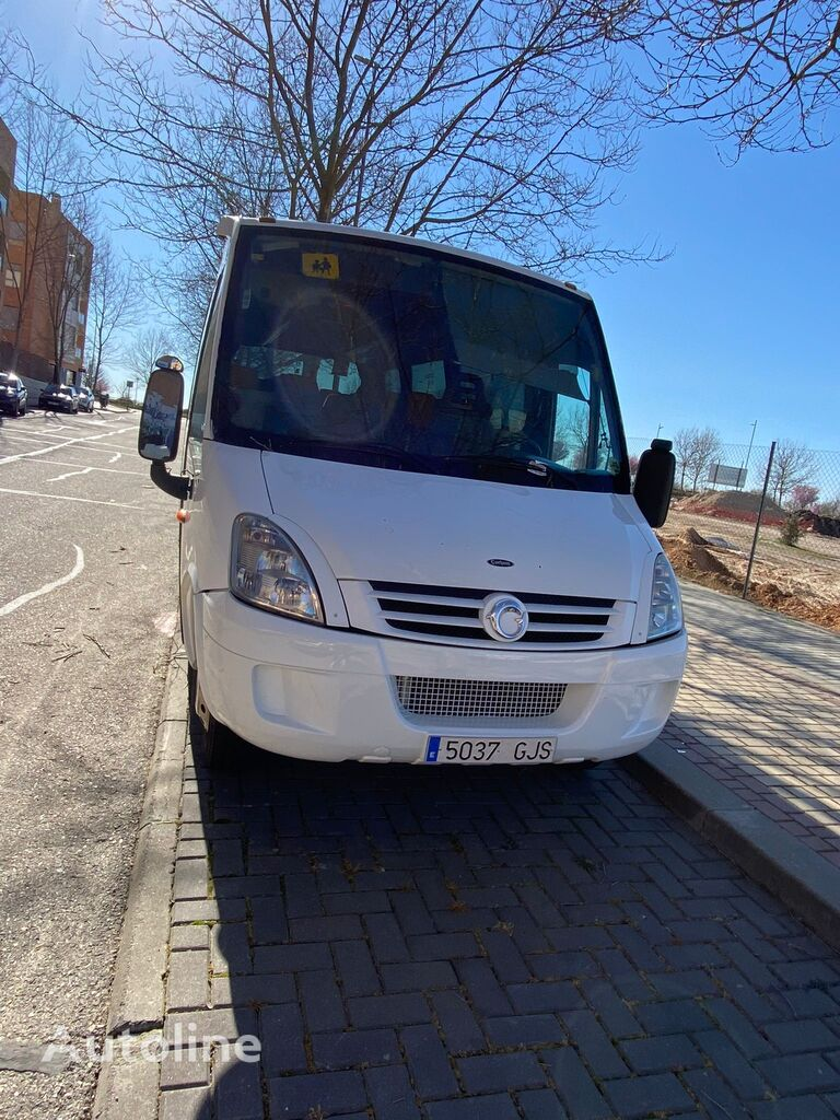 туристичний автобус IVECO INDCAR WING