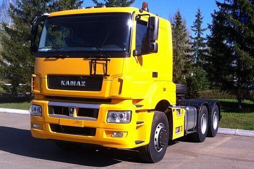 новий тягач КАМАЗ 65206