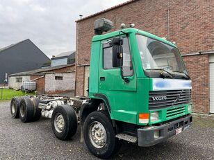 вантажівка шасі VOLVO FL10 320