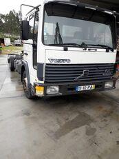 вантажівка шасі VOLVO FL6 10
